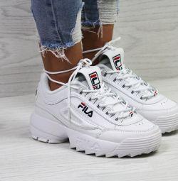 Нові кросівки FILA 40 розмір