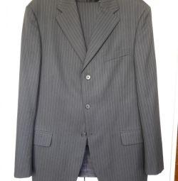 Costum de pantaloni masculin în dungi și negru pur.