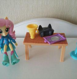 Κούκλα Equestria Girls Fluttershy με αξεσουάρ