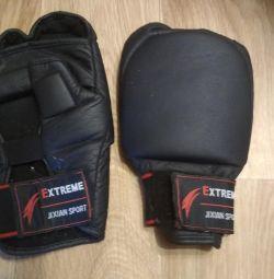noi mănuși de box de antrenament