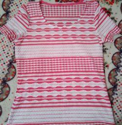 Kadın tişörtü