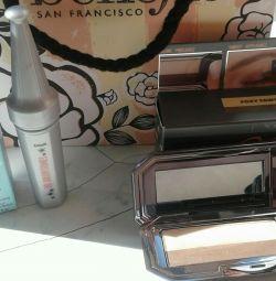 Cosmetic set. Eye shadow and eyebrow corrector.