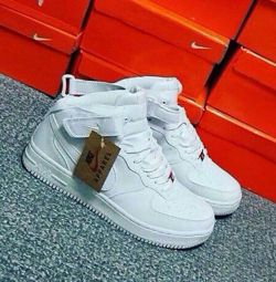 Sneakers available 35-41