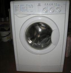 Πλυντήριο ρούχων Indesit
