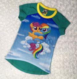 Tricouri cu ponei mici