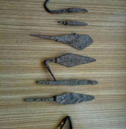 Antique arrowheads