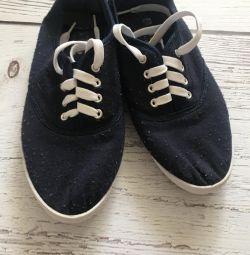 Pantofi pentru femei p37