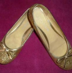 Pantofi de balet noi cu dimensiunea 38. Aur.