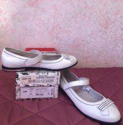 Pantofi Lel școală pentru fata de 37 r.