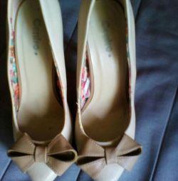 Pantofi de 38 de ori