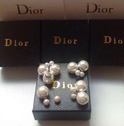 Серебреные пусеты Dior