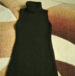 Dress- sleeveless jacket, tight jersey 42-46