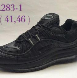 Нові Натуральні Кросівки Nike р. 40,41