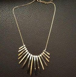 Ожерелье новое бижутерия