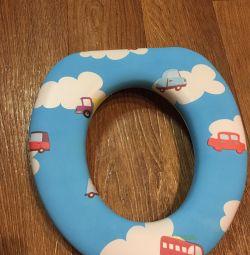 Child toilet seat