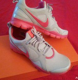 Τα αθλητικά παπούτσια της Nike