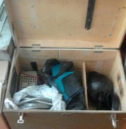 Κουτί με ηλεκτρικά εργαλεία