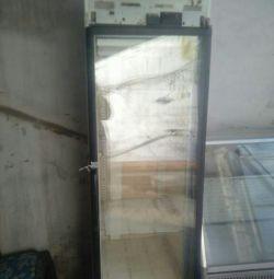 Продам витрину