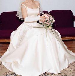 Γαμήλιο φόρεμα, πέπλο, γάντια, τσάντα