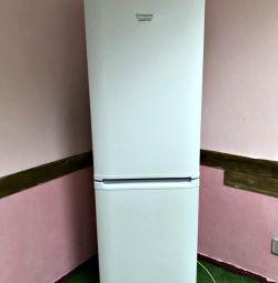 Ariston refrigerator 2 meters. Guarantee, Delivery