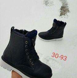 Зима черевики нові