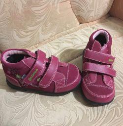 Yeni çocuklar İlkbahar-sonbahar 25 için ayakkabı
