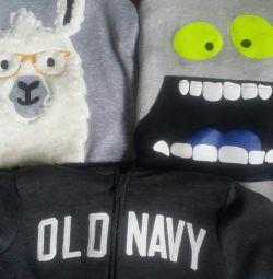 Geacă de tricou pentru băieți de 4-5 ani nou Oshkosh