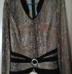 Блузка нарядная, р-48(50)