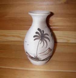 El yapımı seramik vazo Gran Canaria