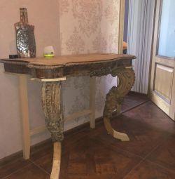 Vintage σκαλιστό τραπέζι από μαόνι