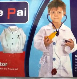 Bir çocuk için Oyun Doktor kostümü