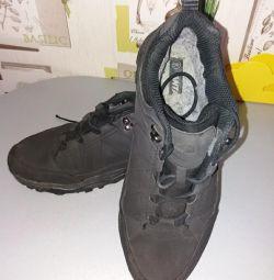 Winter sneakers p 43-44