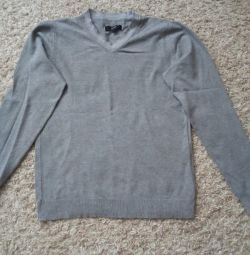 I will sell a sweater in excellent condition