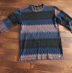 Χρησιμοποιημένο μάλλινο πουλόβερ