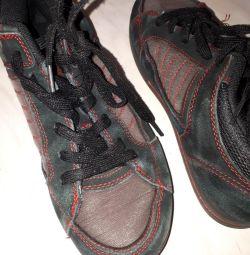 Τα πάνινα παπούτσια 36 έχουν μέγεθος