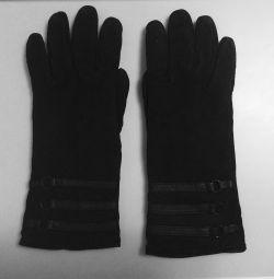 Женские перчатки из натуральной замши (Италия).