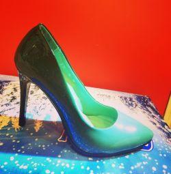 Женские туфли амбре