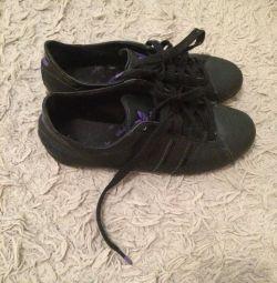 Sneakers Adidas Original.