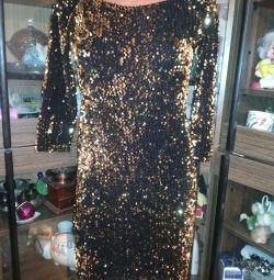 Новогоднее платье с пайетками