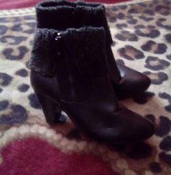 Γυναικείες μπότες μικρού μήκους