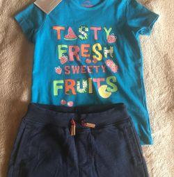 Pantaloni Mosekey, tricou futurino. Înălțimea 122