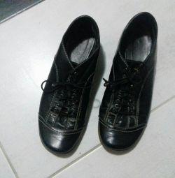 Deri ayakkabılar 36r.