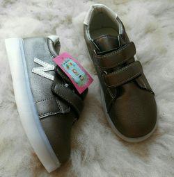 Çocuklar için spor ayakkabı