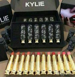 Матовая помада Kylie Charm Lipstick 12шт