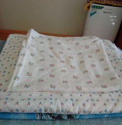 Bedding set.