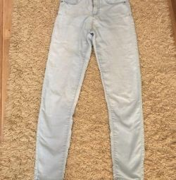 Светло-голубые джинсы укороченные из CROPP