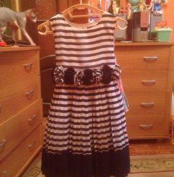 Принцессное платье размер 122