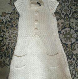 Πλεκτό φόρεμα για έγκυες γυναίκες.