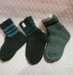 Șosete din lână tricotate