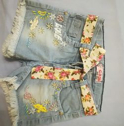 Shorts for a girl 4-5 years old